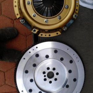 Bitsa rebuildable pressure plate and Aluminium flywheel.